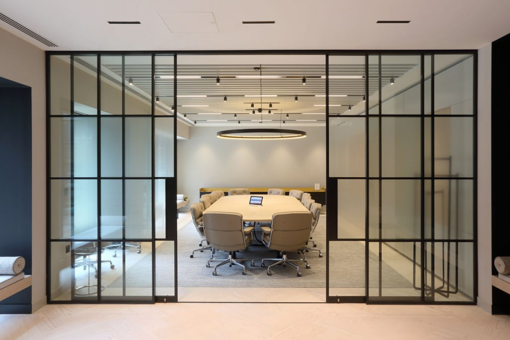 into-lighting-corporate-HQ(2)