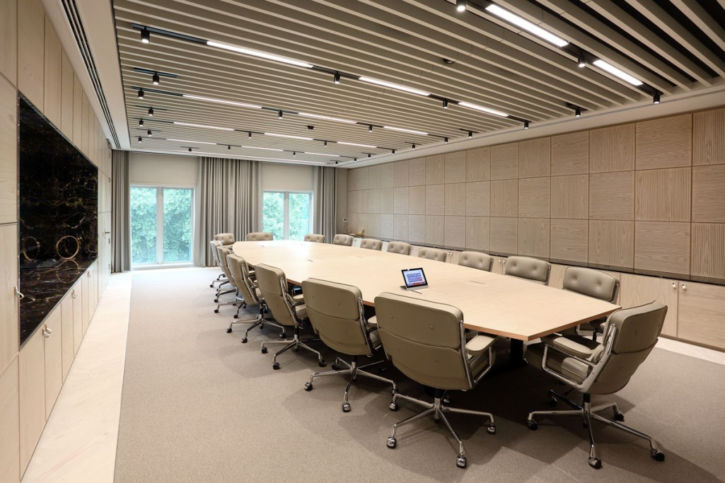 into-lighting-corporate-HQ(4)