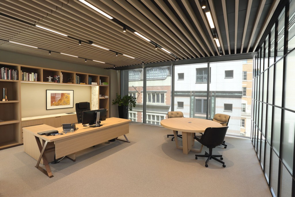 into-lighting-corporate-HQ(5)